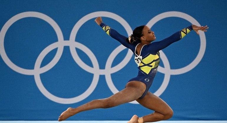 Rebeca conquistou duas medalhas inéditas na história da modalidade feminina no Brasil