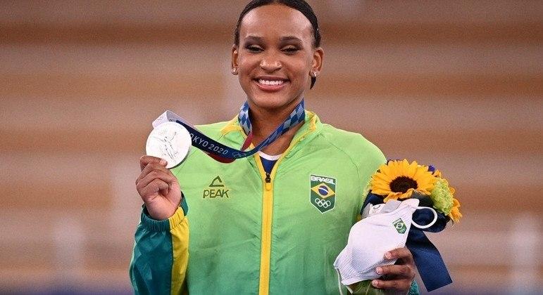 Rebeca Andrade conquistou a primeira medalha da ginástica artística feminina da história