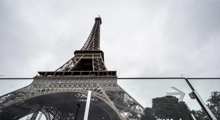 A Torre Eiffel, em Paris, foi reaberta a visitantes na última sexta-feira