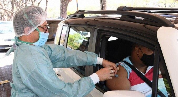 Confira o cronograma de vacinação contra a covid-19 nas capitas brasileiras