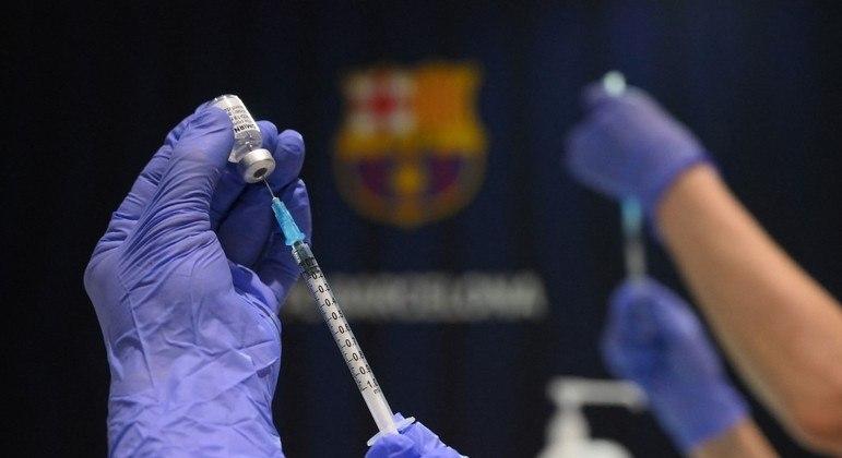 Em junho, Brasil deverá receber 12 milhões de doses da vacina da Pfizer
