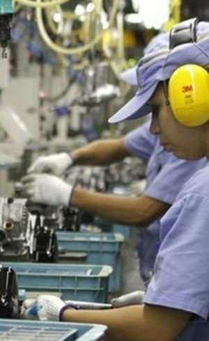 Governo prevê reduzir jornada e salário dos trabalhadores