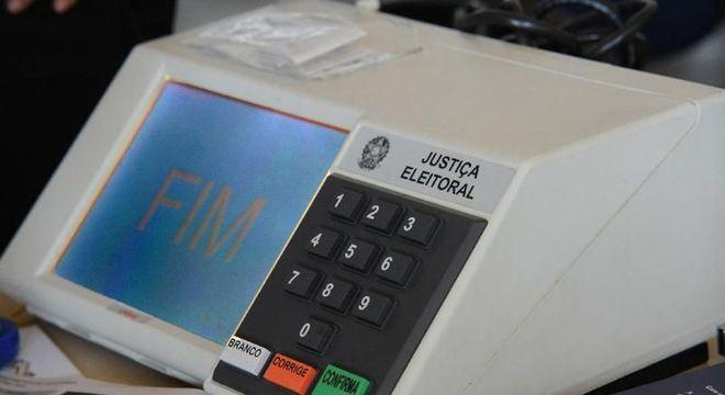 Licitação prevê a aquisição de até 180 mil urnas para as eleições municipais