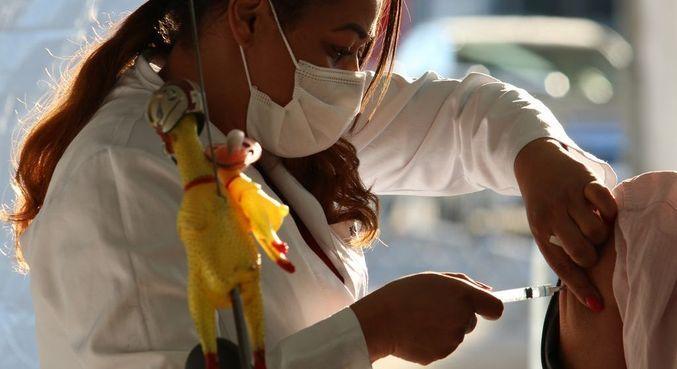 Calendário prevê imunizar quase 4 milhões entre 45 e 54 anos em agosto