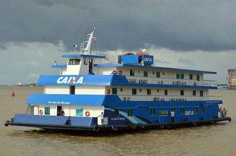 Agência-barco navega 30 dias sem reabastecer