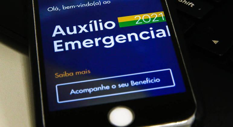 Auxílio emergencial terá mais três parcelas em 2021