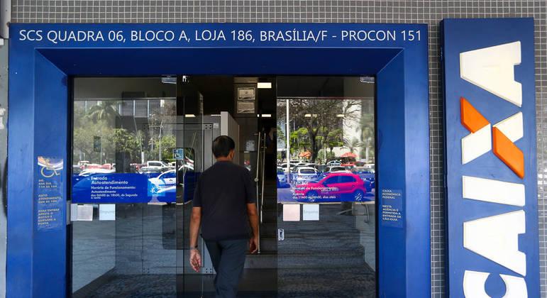Quase 68 milhões de brasileiros foram beneficiados com o auxílio emergencial