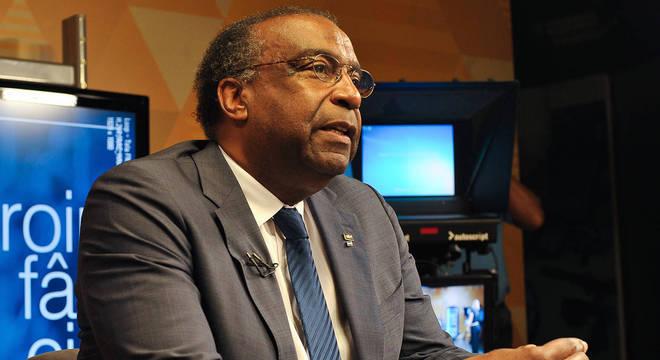 Carlos Alberto Decotelli da Silva tem posse adiada no MEC