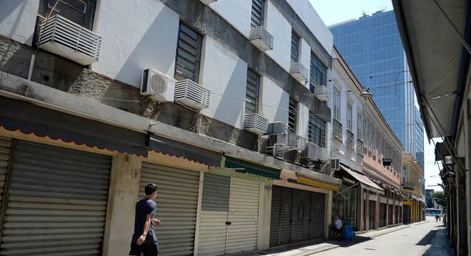 Feriado altera funcionamento de serviços em São Paulo