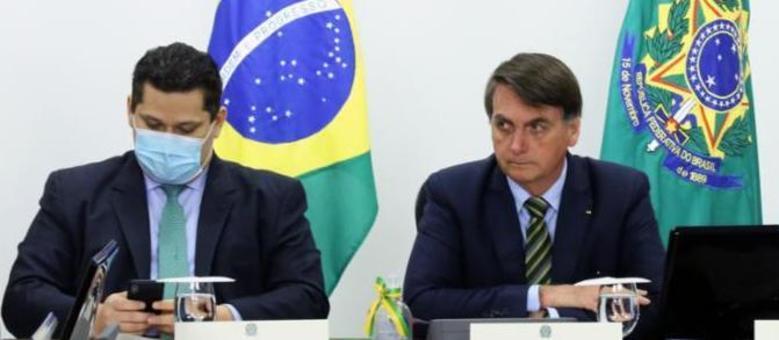 Alcolumbre se encontra com Bolsonaro pra falar da crise entre Poderes