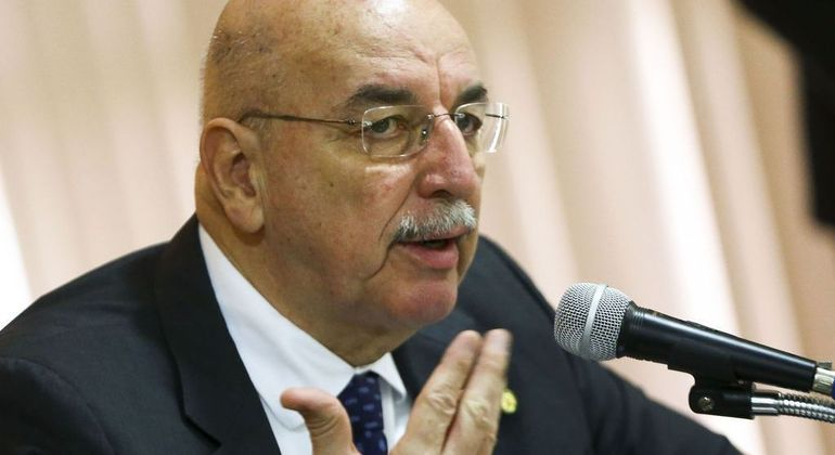 O ministro da Cidadania, Osmar Terra, durante reunião em Brasilia