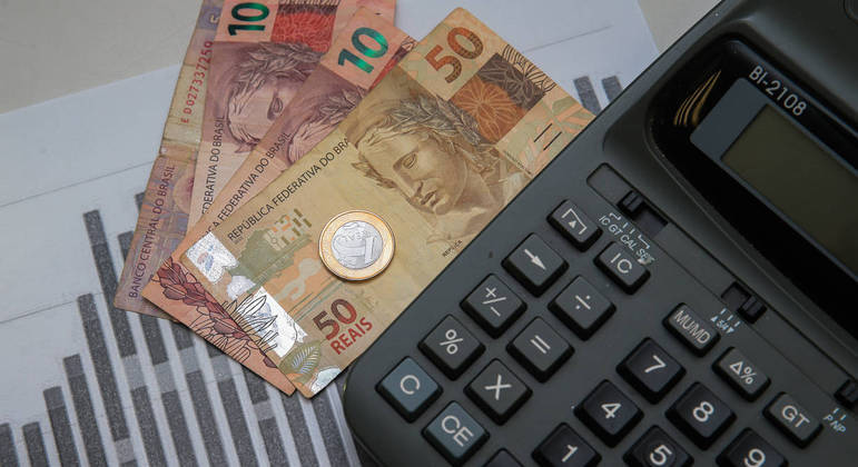 Brasileiro está precisando calcular bem os gastos coma alta dos preços