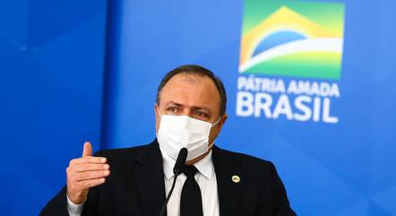 Eduardo Pazuello substituiu Nelson Teich no Ministério da Saúde