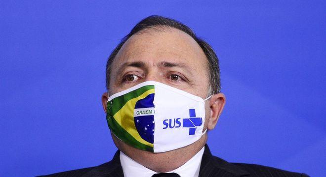 Ministro Pazuello entrega ao STF plano nacional de imunização