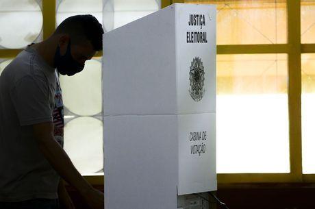 Votação transcorreu tranquilamente durante o dia