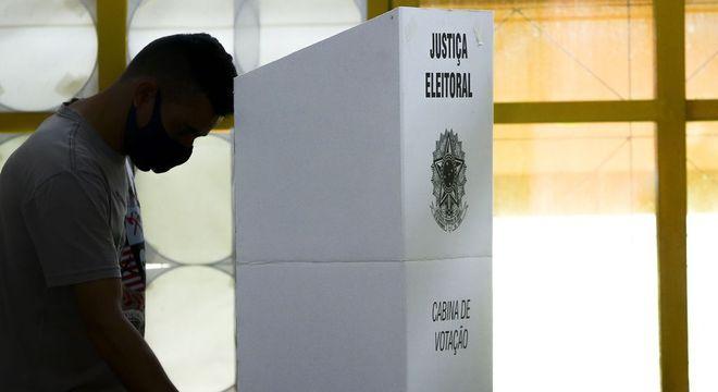 Segundo turno define destino de um terço da população do Brasil
