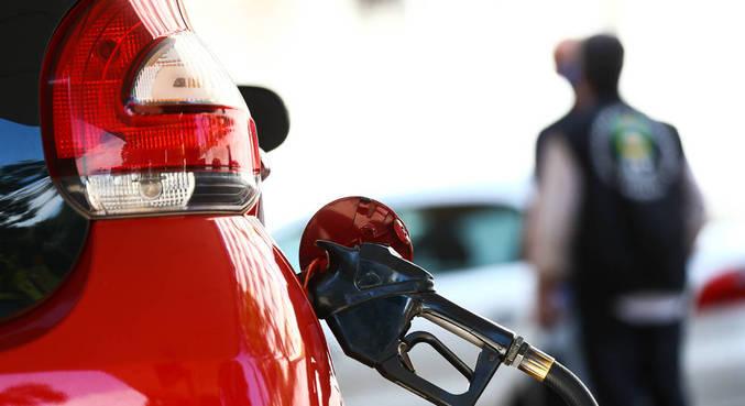 O combustível foi comercializado acima dos R$ 4,00