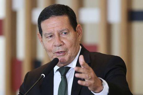 PT precisa se reinventar sem Lula, diz Mourão