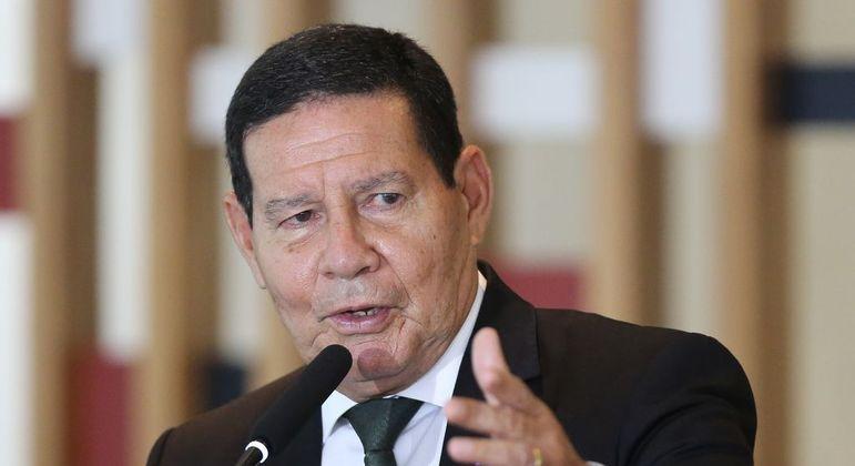 Vice-presidente da República, Hamilton Mourão cogita candidatar-se para o Senado em 2022
