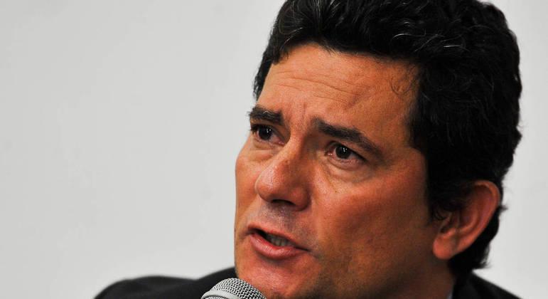 A apoiadores, o ex-juiz Sérgio Moro diz que ainda não decidiu se quer ser candidato a presidente
