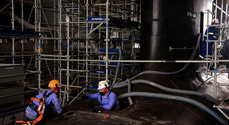 Fortalecimento do setor industrial pode ajudar país a superar crise atual, diz presidente da CNI