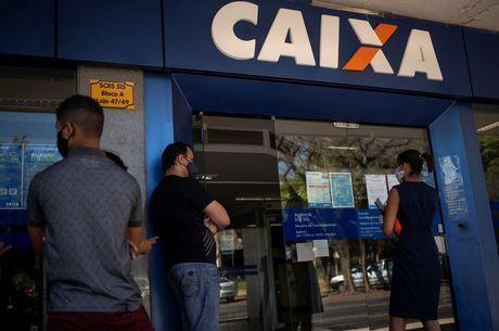 Caixa paga nesta quarta (24) primeira parcela do auxílio de R$ 300