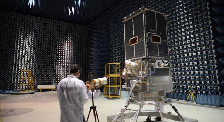 Agência espera criar mercado com a produção de satélites no Brasil
