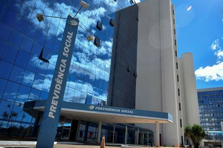 Fachada da sede do INSS, em Brasília
