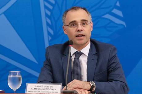 Mendonça atuava como advogado da União desde 2000