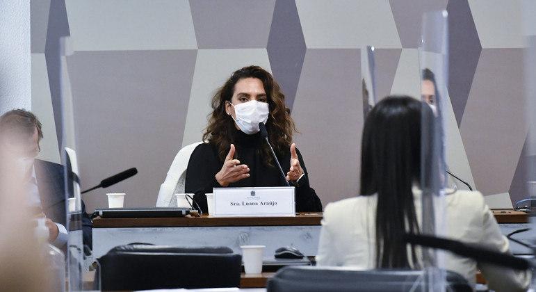 Médica criticou falta de estrutura na saúde nacional para combater pandemia