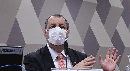 Presidente da CPI, Omar Aziz se irritou com a demora na apresentação do contrato com a Precisa Medicamentos