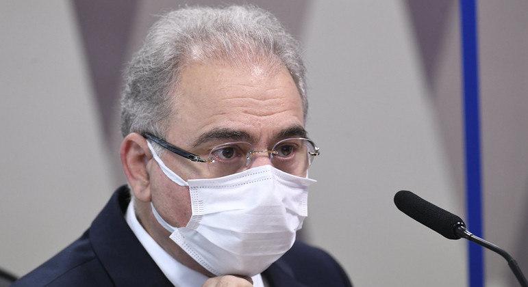 Em depoimento à CPI, ministro voltou a reforçar o compromisso de vacinar toda a população adulta até o fim do ano