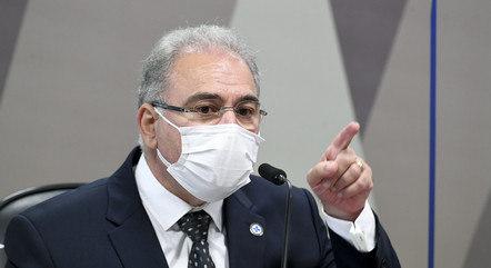 Queiroga promete vacinar todo o país em 2020