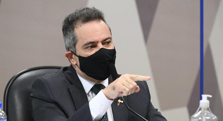 Elcio Franco durante depoimento na CPI da Covid