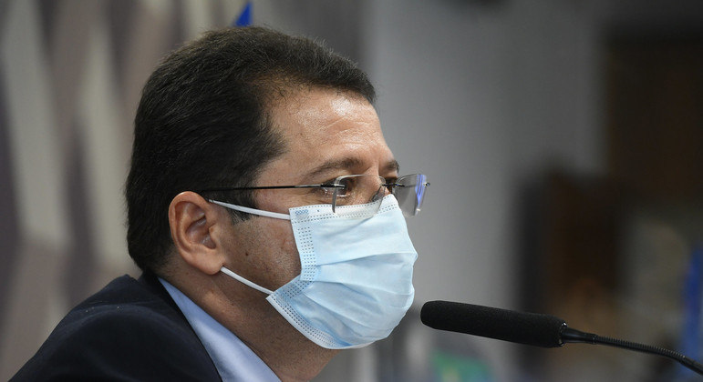 """Ex-secretário de Saúde disse que aumento de internações foi """"imponderável"""""""