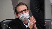 Contrato por vacinas seria fechado com reverendo, diz Carvalho à CPI