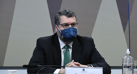 Araújo diz que cloroquina era aposta contra covid