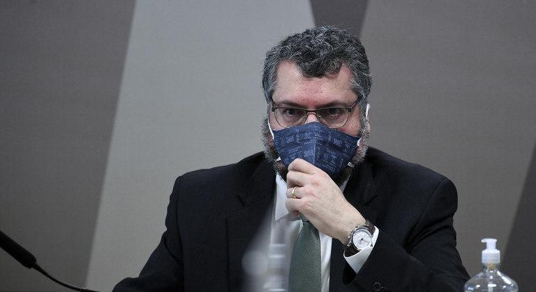 Telegramas provam que Embaixada avisou Araújo da carta ainda em setembro