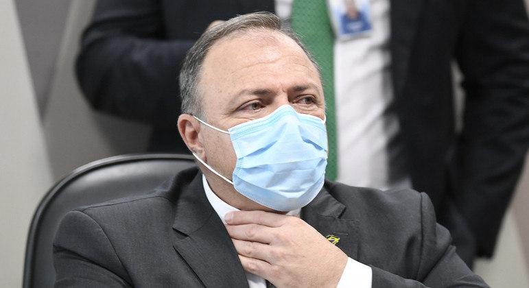 O general Eduardo Pazuello: sob forte bombardeio na CPI da Pandemia.