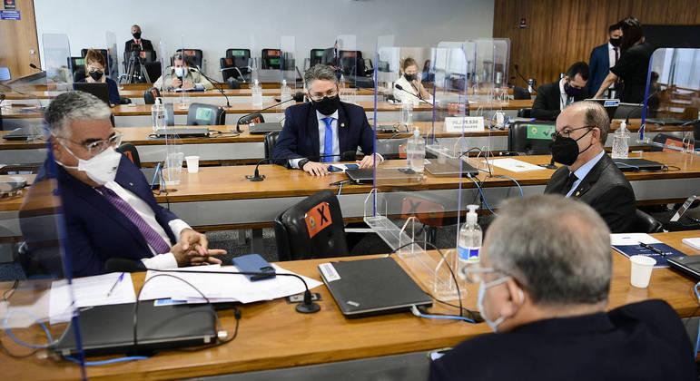 Senador Eduardo Girão levantou a informação
