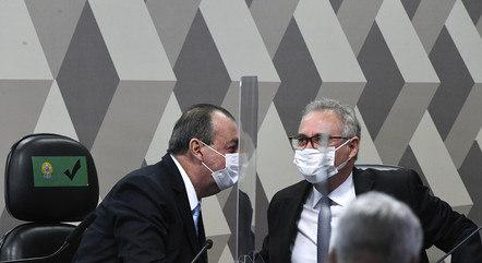 Aziz (E) e Renan cobram decisão de Pacheco