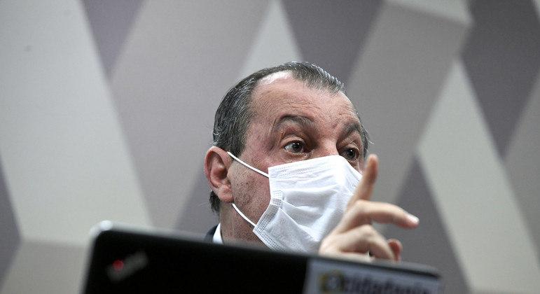 Amilton Gomes terá que trazer documentação para comprovar atestado médico