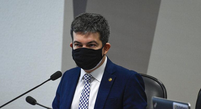 Para senador Randolfe Rodrigues, constrangimento faz Queiroga incorrer em 'atos falhos'