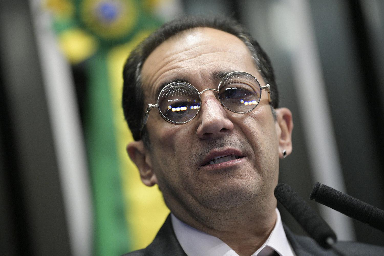 Se alguém fez teatro aí foi ele', diz Kajuru sobre ligação a Bolsonaro - Notícias - R7 Brasil