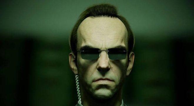 Agente Smith (Hugo Weaving) em Matrix