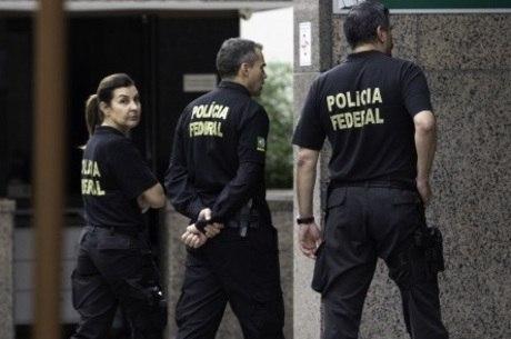 Escolta deveria ser feita pela PF, diz Sampaio