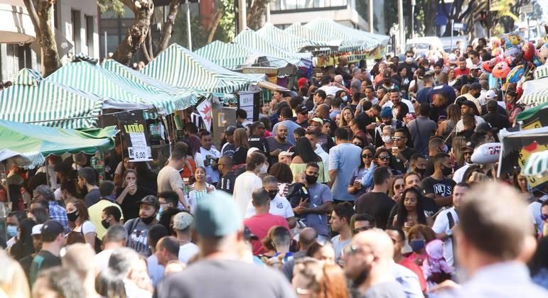 Cidades brasileiras começam a flexibilizar medidas de restrição
