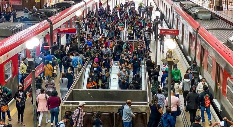 CPTM, Metrô e EMTU vão manter operação de dia útil durante o feriado em SP