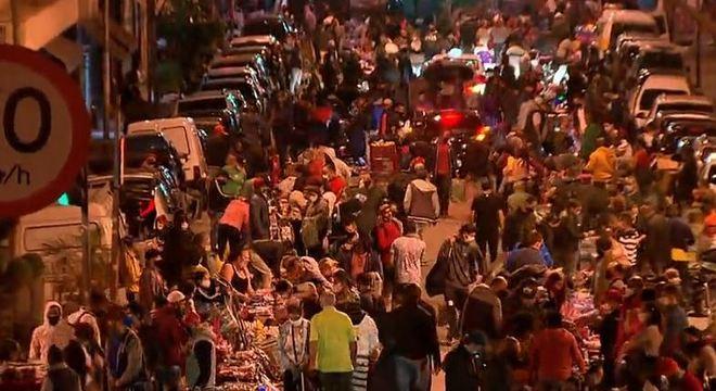 Região de comércio popular de SP tem intensa aglomeração - Notícias - R7  São Paulo