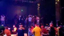 Festa em bar com 300 pessoas é fechada pela polícia na zona leste